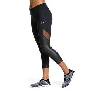 Nike Women's Sprinter Running Crops size Medium.